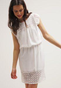 Hvide kjoler fra ONLY