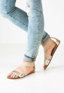 Pier One sandaler med rem